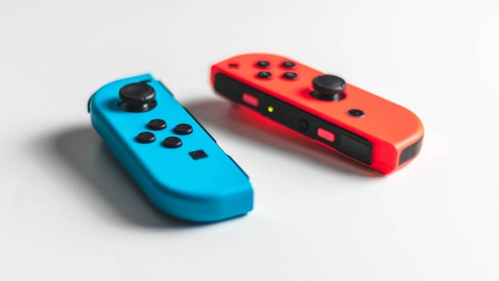 indi games, red and blue joycons